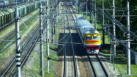Retro- Personenzug Gemacht in der UDSSR Geschossen von oben stock video footage