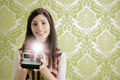 Retro photo camera woman green sixties wallpaper Royalty Free Stock Photos
