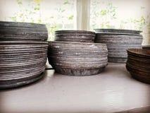 Retro piatti di metallo di stile per i vasi da fiori Immagini Stock