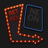 Retro pil för vektor med den ljusa kulan på svart vektor illustrationer