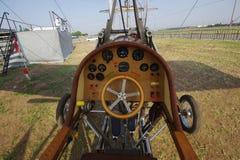 Retro plan cockpit Arkivbilder