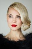 Retro- Porträt einer Schönheit Stockfotografie