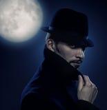 Retro- Portrait des geheimnisvollen Mannes Lizenzfreies Stockfoto