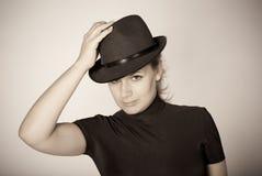 Retro--Portrait einer schönen Frau Lizenzfreie Stockfotografie