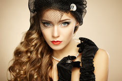 Retro portret van mooie vrouw. Uitstekende stijl Royalty-vrije Stock Afbeelding