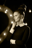 Retro- Porträt eines sexy Modells im Studio Lizenzfreies Stockfoto