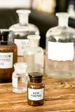Retro progettazione alla moda antica delle bottiglie di vetro Immagini Stock Libere da Diritti