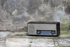 Retro radio från seventiesna Arkivbilder