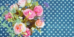 Retro - ramo del vintage de flores coloridas fotos de archivo
