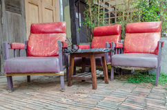 Retro red sofa Royalty Free Stock Images