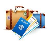 Retro resväskor, pass och flygbolagbiljetter Fotografering för Bildbyråer
