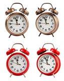 Retro ringklocka på `-klockan för nolla tolv, isolat Arkivbild