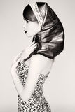 Retro ritratto della giovane donna in un foulard Fotografia Stock Libera da Diritti