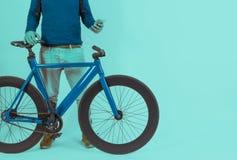 Retro rocznika rower w Pastelowego koloru tle Zdjęcie Royalty Free
