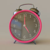 Retro- rosa Wecker in einer einfachen weißen Studio-Umwelt Stockfotografie