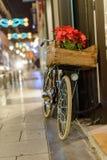 Retro rower na bożych narodzeniach w mieście Obrazy Royalty Free