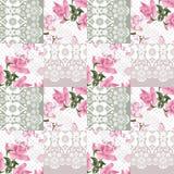 Retro roze de rozenpatroon van het lapwerk naadloos wit kant Stock Afbeelding