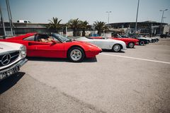 Retro samochodu wiec Francuski Riviera Ładny - Cannes - święty miejsca przeznaczenia szkła target885_0_ mapy podróż obrazy royalty free