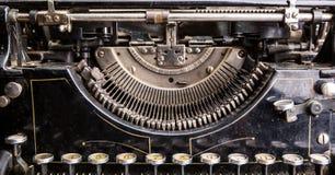 Retro- Schmutzschwarz-Schreibmaschinennahaufnahme Stockfoto