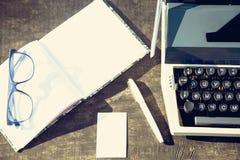 Retro- Schreibenskonzept - eine alte Schreibmaschine, zum von messis, Telegramme, Bücher zu schreiben Stockfoto