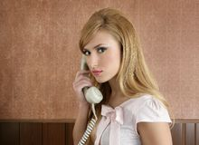 Retro- Sekretärfrauen-Geschäftsfraubüro Stockfotos