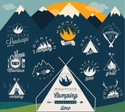 Retro simboli d'annata di stile per la spedizione della montagna Fotografie Stock
