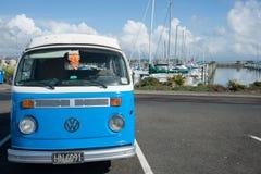 Retro skåpbil för VW Kombi Arkivfoton