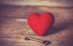 Retro sleutel en hartvorm. Royalty-vrije Stock Foto