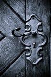 Retro sleutelgat in oude houten deur Stock Foto's