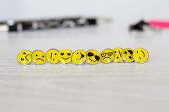 Retro Smiley Face Emoticon Push Pins royalty-vrije stock foto's
