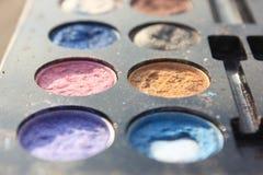 Retro smink, 60-tal70-talmode, blått, vit, ljust makroslut upp selectional fokus Arkivbild