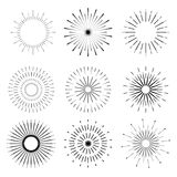 Retro solbristningsformer Tappningstarburstlogoen, etiketter, förser med märke vektor illustrationer