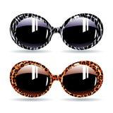 Retro- Sonnenbrille mit Tierzebradruck und -leoparden Lizenzfreies Stockfoto
