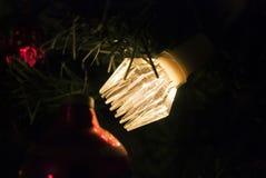 Retro sovjetlichtenslinger op de Kerstboom Stock Fotografie
