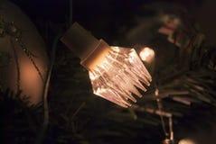 Retro sovjetlichtenslinger op de Kerstboom Stock Foto's