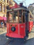 Retro spårvagn, Taskim, Istanbul, Turkiet Fotografering för Bildbyråer