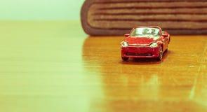 Retro- Spielzeugauto Stockbild