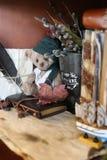 Retro- Spielzeugbär und altes Buch Lizenzfreies Stockfoto