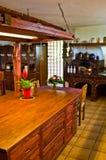 Retro spis i det lantliga köket royaltyfri foto