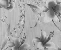 Retro- Spitze-nahtloses mit Blumenmuster auf monotonem Schwarzweiss-Weinlese-Art-Gewebe-Hintergrund Stockfoto
