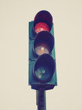 Retro spojrzenia światła ruchu semafor Zdjęcia Royalty Free