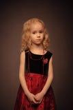 Retro-sryled ritratto dello studio della ragazza Immagine Stock