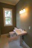 Retro stanza da bagno semplice Immagini Stock Libere da Diritti