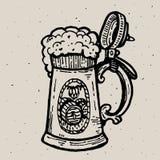 Retro stilöl rånar eller glass gravyr Lokalt bryggeri Illustration för tappningvektorgravyr för rengöringsduk, affisch, etikett Arkivbilder