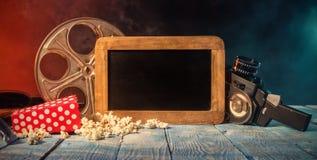Retro stilleben för filmproduktiontillbehör arkivfoton