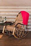Retro stoel van de tuimelschakelaar houten schommeling Stock Foto's