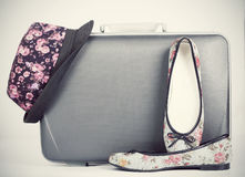 Retro styled hat, shoes and baggage Royalty Free Stock Photos