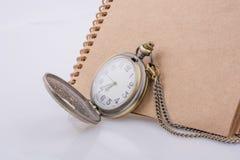 Retro stylowy klasyczny kieszeniowy zegarek fotografia royalty free