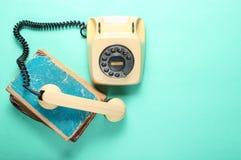 Retro stylowy obrotowy telefon obraz stock