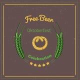 Retro stylowy oktoberfest plakat z preclem i etykietka na ciemnym tle Piwny festiwalu wektor Illustration Obraz Stock